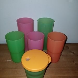 Set of 6 mismatched Tupperware tumblers